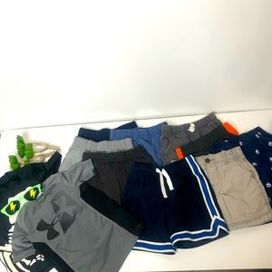 Boys Shorts and shirt bundle Size 4/5